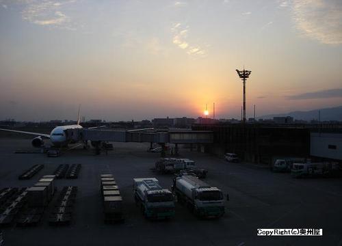伊丹の夕日