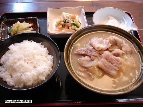 豚汁定食 (美素屋)